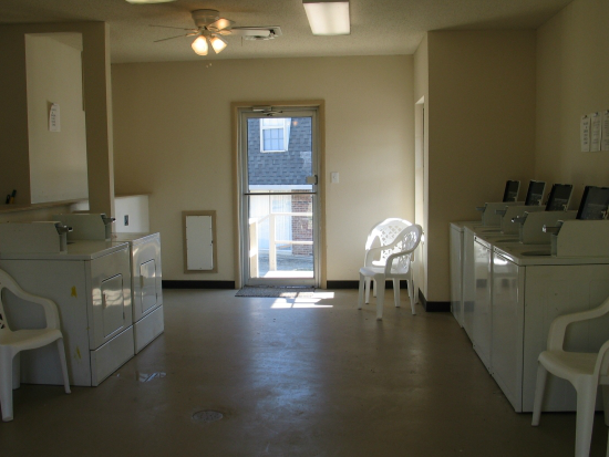 [Image: Laundry Room ]